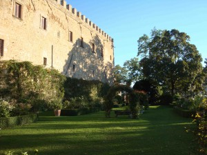 Marken_Rocca_dAjello_Garten